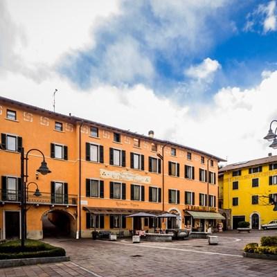 esterni-vecchio-palazzo-p1010164.jpg