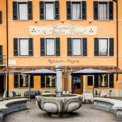 esterni-vecchio-palazzo-p1010171.jpg